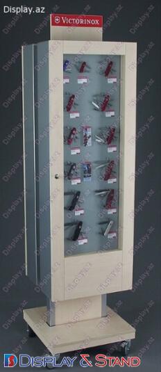 Пристенная мебель N472 из ламината для парфюмерии в центр