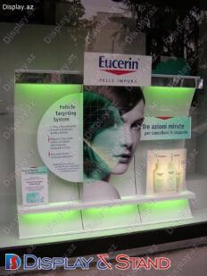 Прилавок для товара для рекламы N840 из проволоки для парфюмерии и напитков пристенный