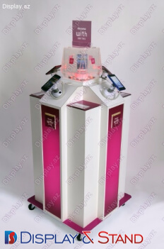 Пристенная мебель N766 из ламината для косметики в центр